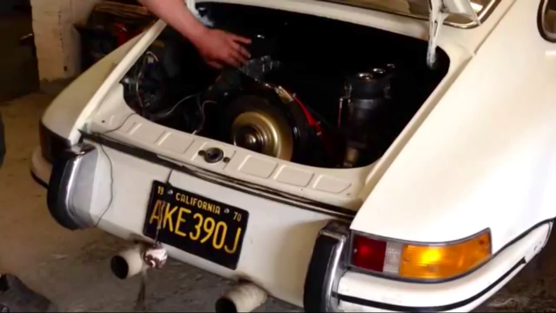 Harvey's 1970 Porsche 911T 3.0 SC Engine Fires Up For 1st Time On Carbs..