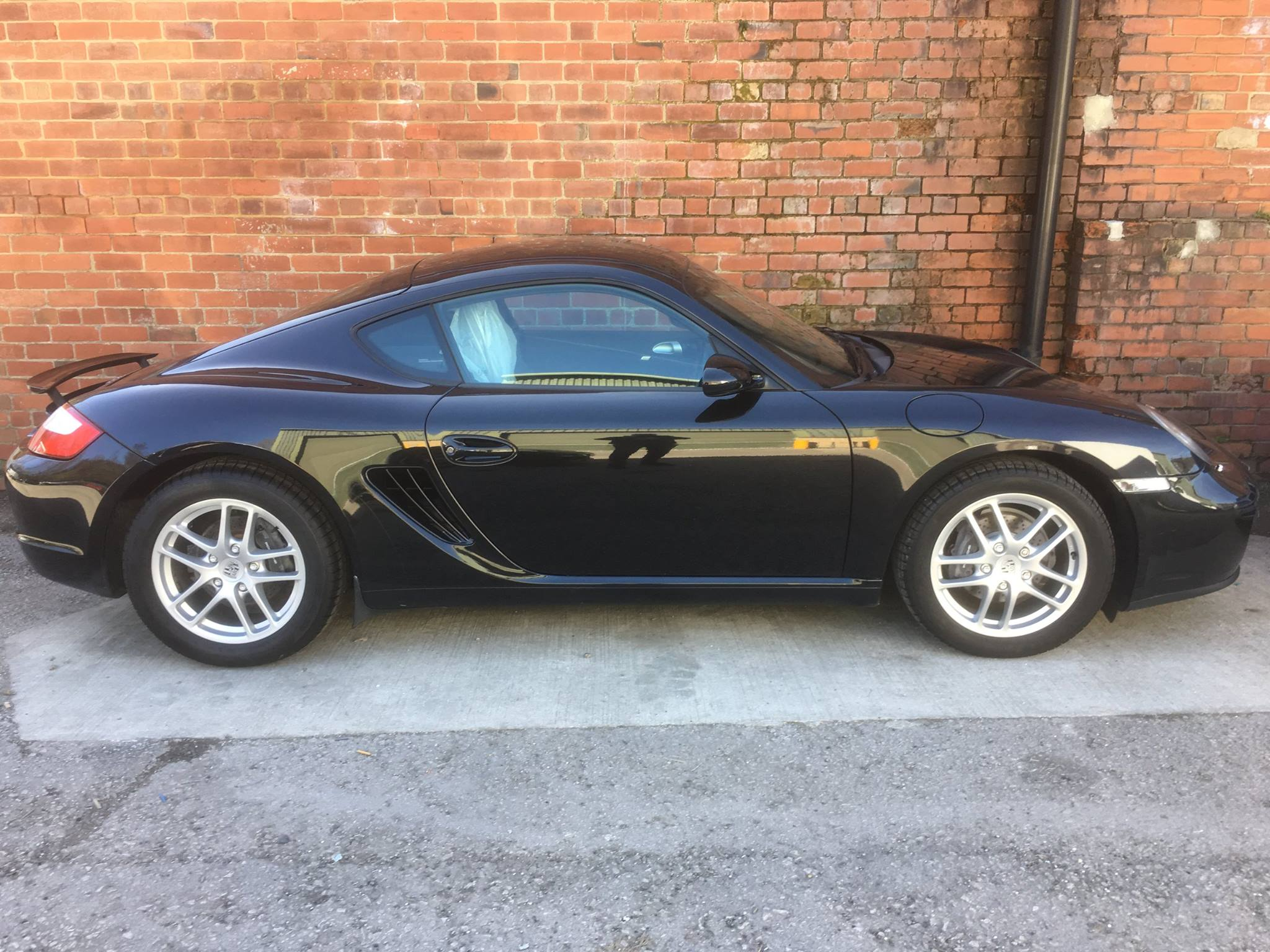 Extremely Well Maintained Cayman!