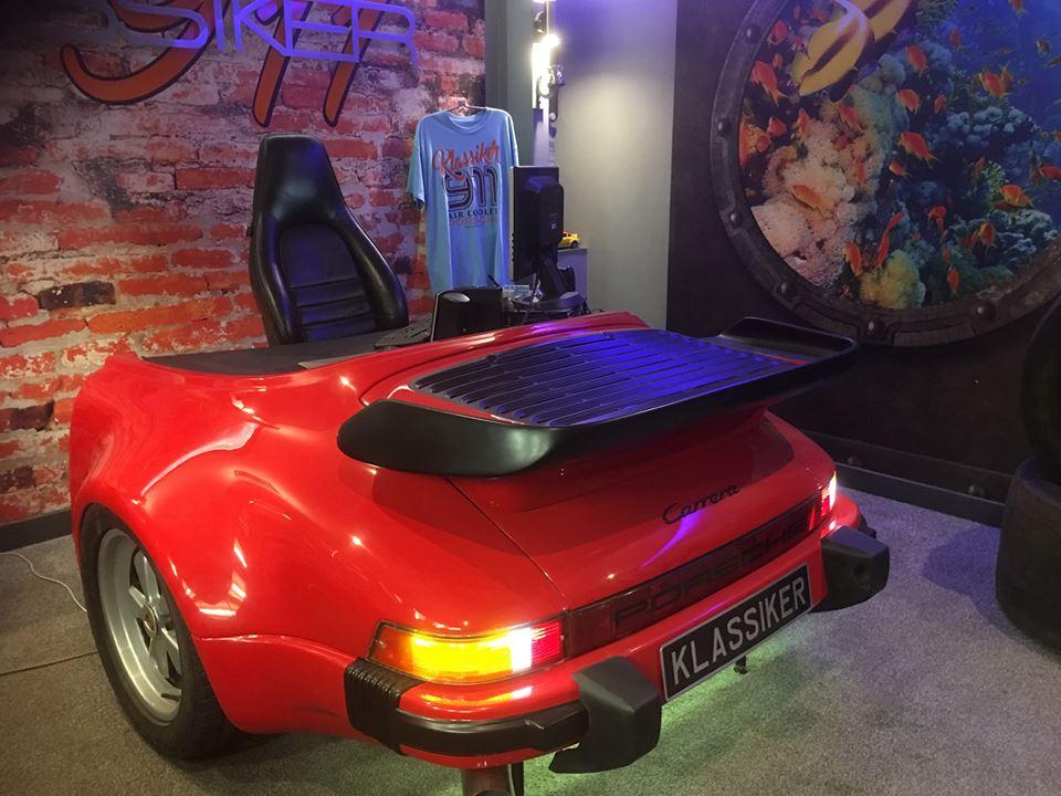 Classic 80's 911 Turbo….desk!